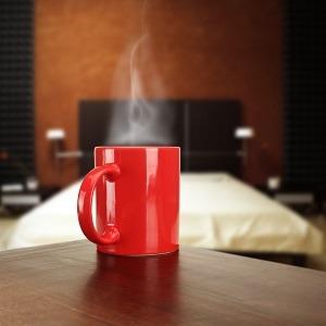 Machine à café à dosettes dans les chambres d'hôtels