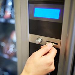 distributeur automatique controle pieces monnaie