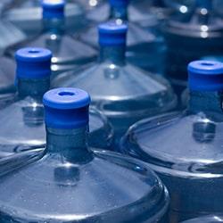 où stocker les bonbonnes d'eau