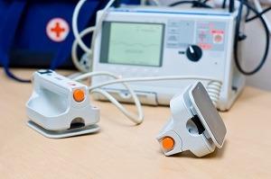 défibrillateur semi-automatique