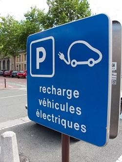 Bornes pour voitures électriques en entreprise